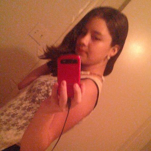 lizziey_12's avatar