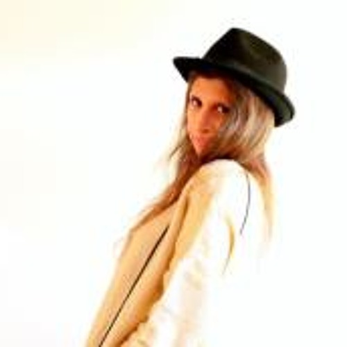Nadia Carolina Dekovic's avatar