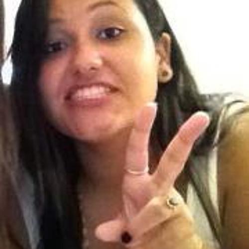 Carol Oliveira 42's avatar