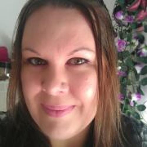 Abby Danielle's avatar