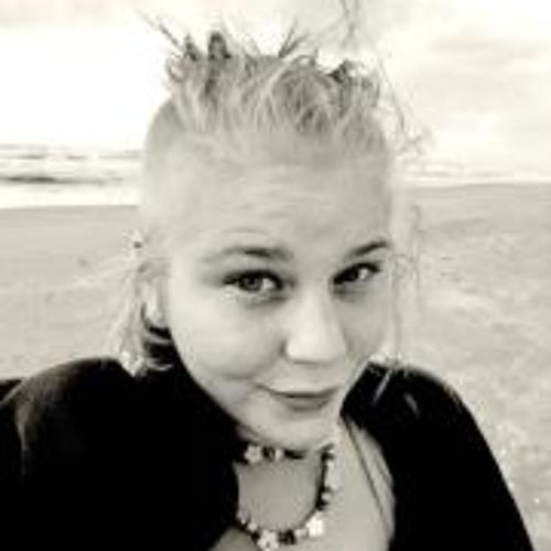 Eve Petty Pokus's avatar