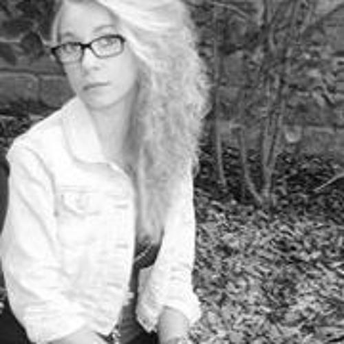 Lara Becki's avatar
