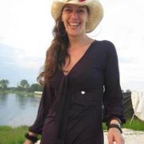 Martine V. Weert's avatar