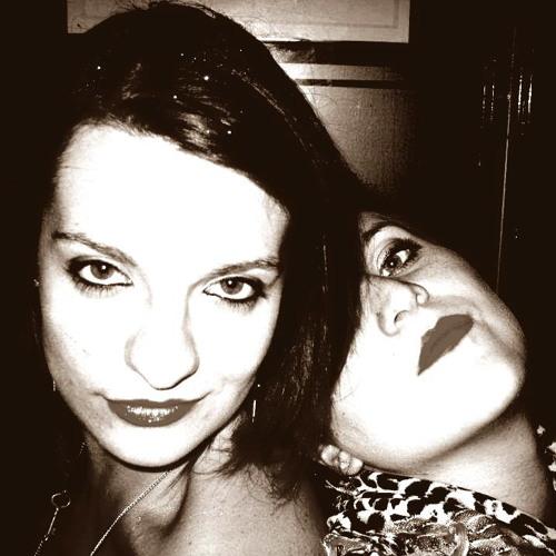 Jo & Lydia's avatar