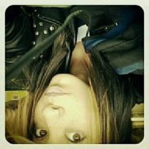 Roberta Santos 14's avatar