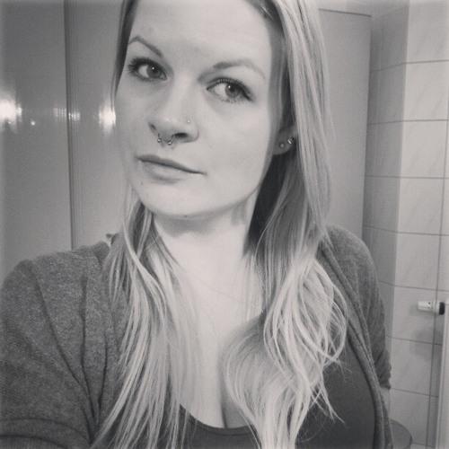 Corinna Ja's avatar