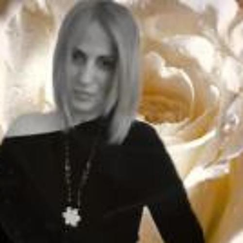 Conchi AL's avatar