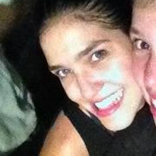 Paola Cordeiro's avatar