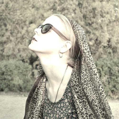 Daria D. Eva's avatar