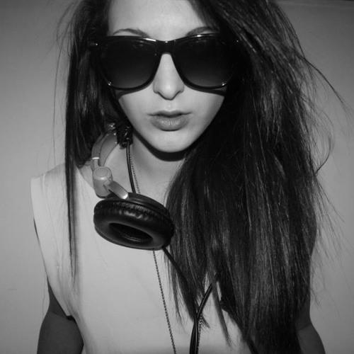 Lusiana's avatar