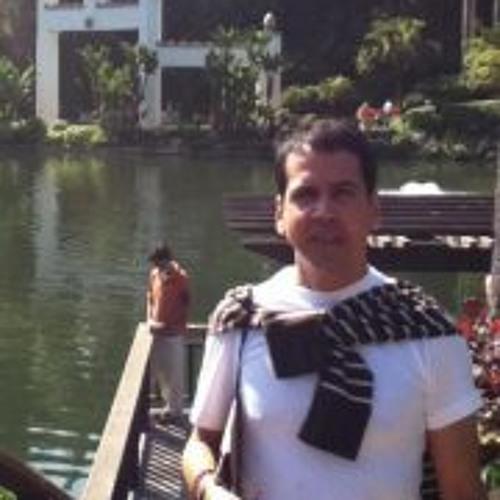 Carlos Montero 19's avatar