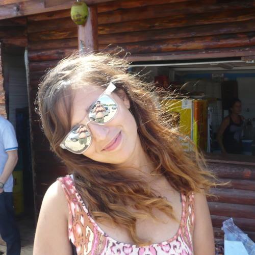 GiseLa Larrosa's avatar