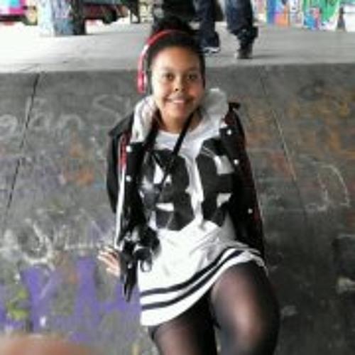 Aishah Davies's avatar