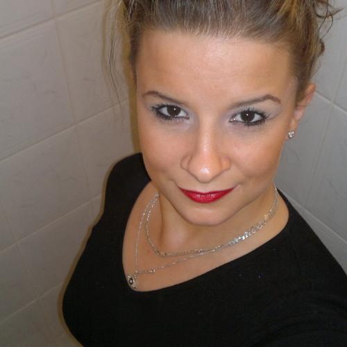 Ivonne Die's avatar