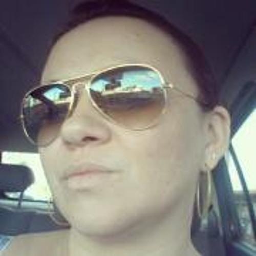 Emanuelle Cordeiro's avatar