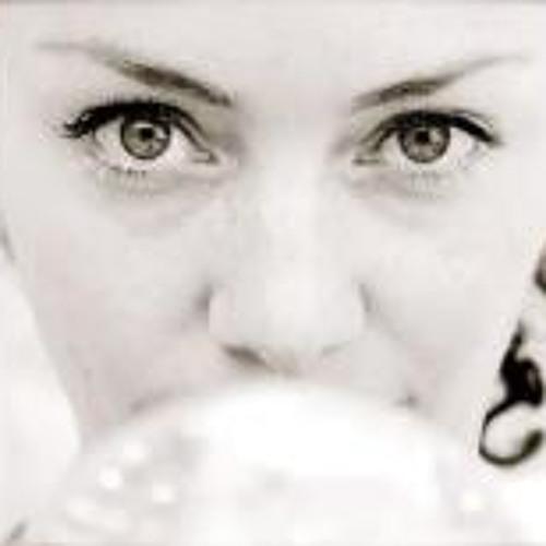 Melina Luna 2's avatar