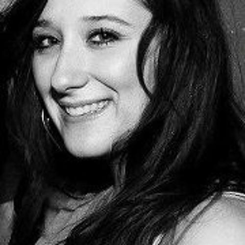 Miriam Minnie's avatar