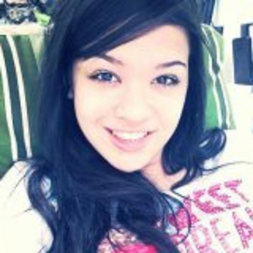 Gabrielle Junqueira's avatar