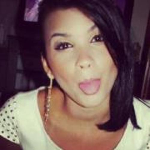 Gabriela Vieira 10's avatar