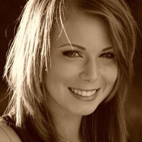 Claudia Aloe's avatar