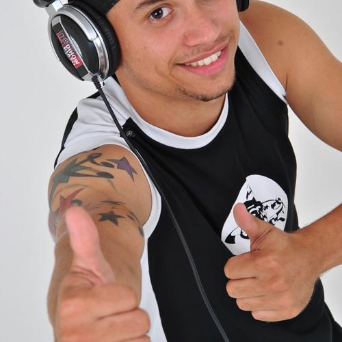 dj dihoww kiato's avatar