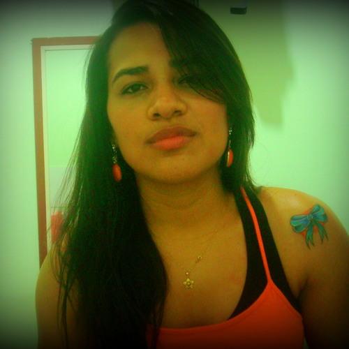 Renata Gemaque's avatar