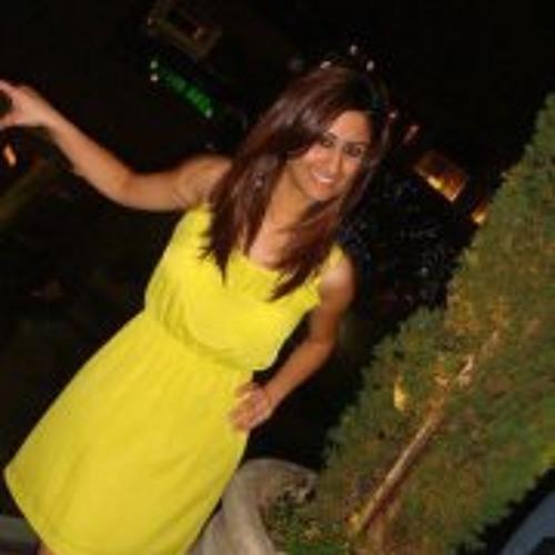 Tooba Khan 2's avatar
