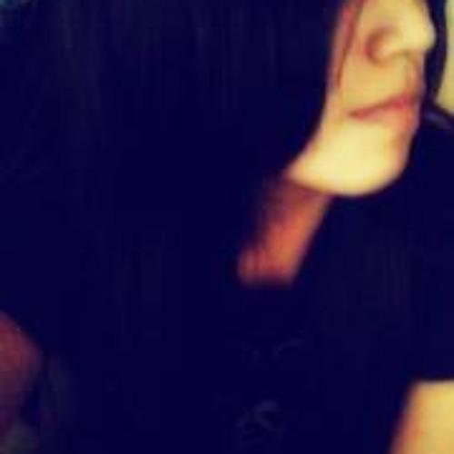 Zinthia Cruz's avatar
