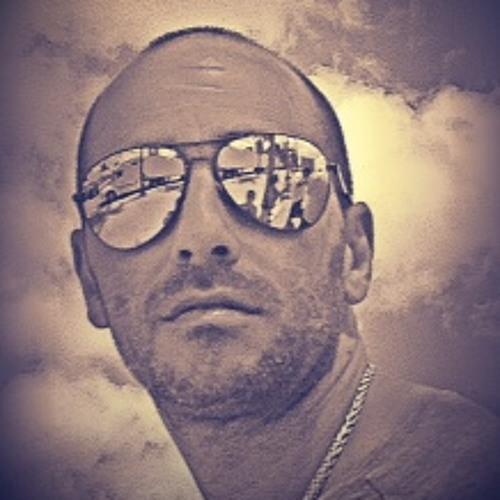 CHRIS ROBERT's avatar