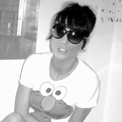 Nadine Casasola-Peters's avatar