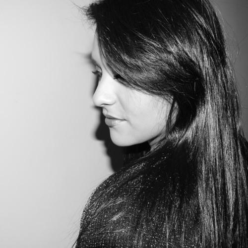 Azaria's avatar