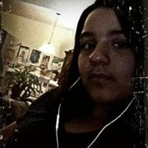 Izabel Fernandez's avatar