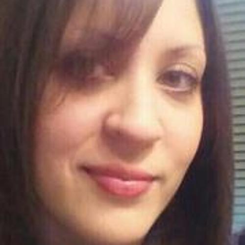 Carmen Iris Flores's avatar