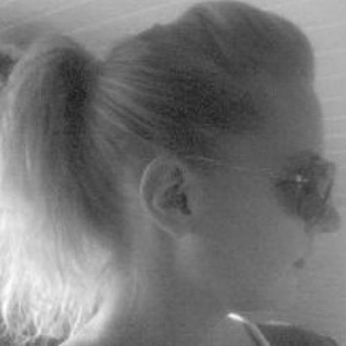 *Frau Co*'s avatar