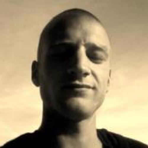 Dani Bernet's avatar