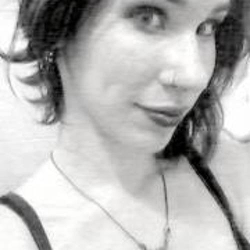 Vivian Lara's avatar