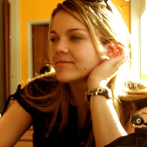 Luana Lua's avatar