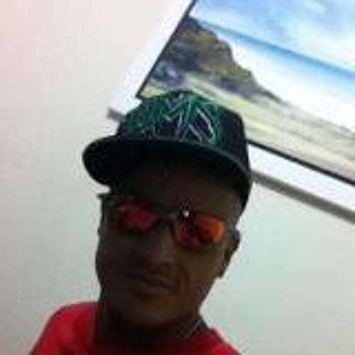 gustavo aliexo's avatar