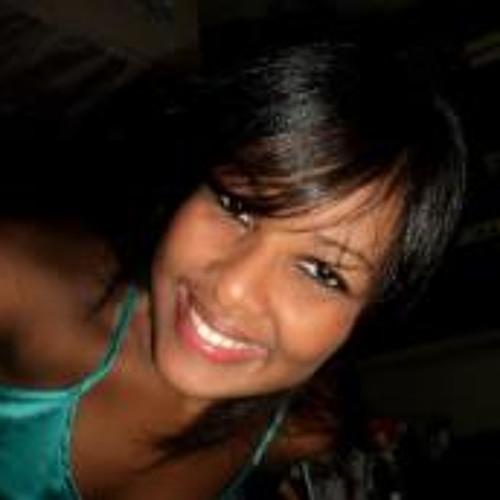 Bartira Carvalhal's avatar