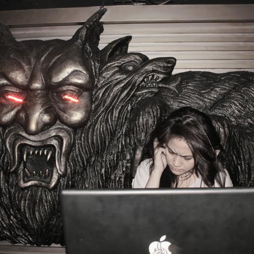 Sandra Hapsari's avatar