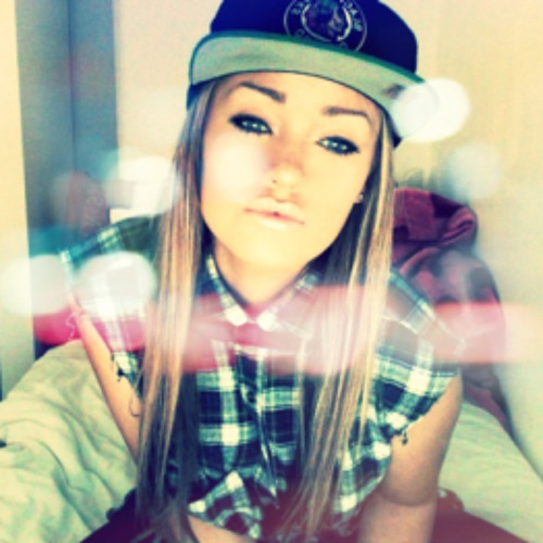 Eina Asher's avatar