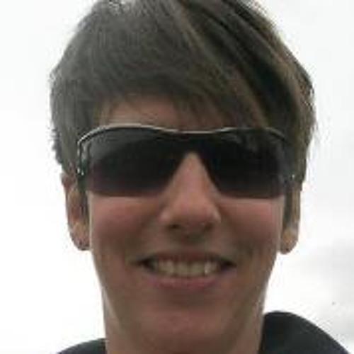 Clare Logan Fieldsend's avatar