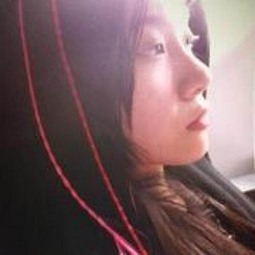 Kate Caroline Chua's avatar