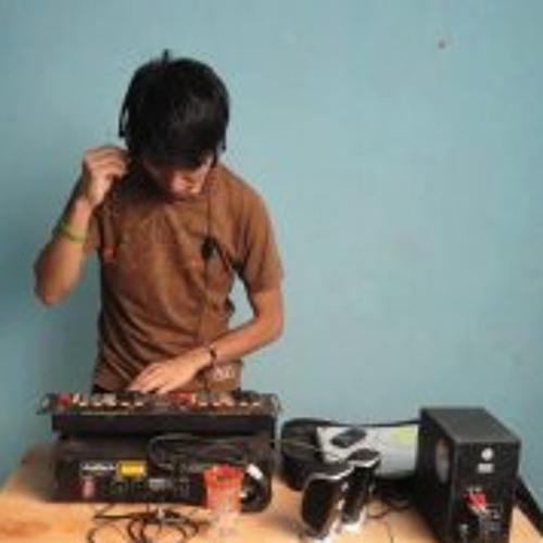 Ruben Vega 12's avatar