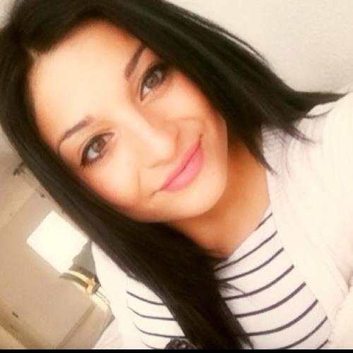 lucia chanel's avatar