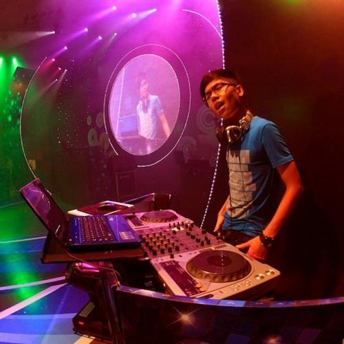 DJ Zen 0812's avatar