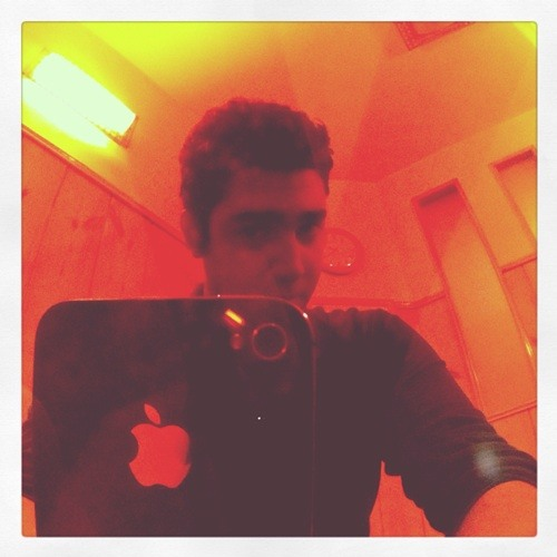 mani karimzade's avatar