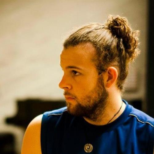 Luke Woollett's avatar