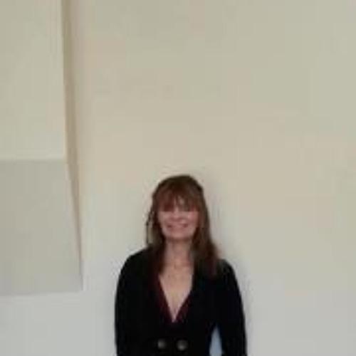 Sue Fraser's avatar