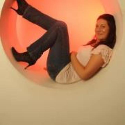 Clare Louise Johnson's avatar
